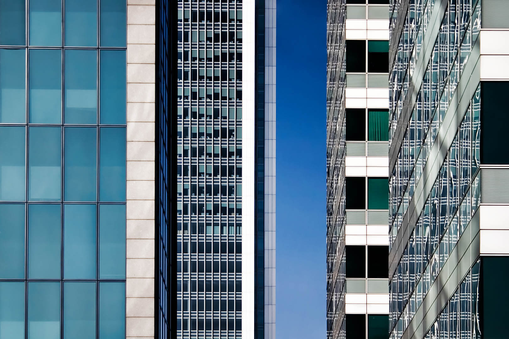 Docklands Office Abstract